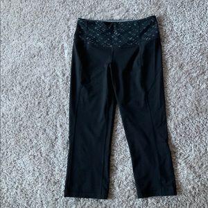 Lululemon Athletic Capris  Pants Black Size 4